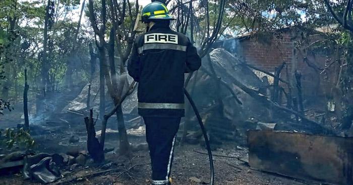 Sofocan incendio en vivienda de Metapán