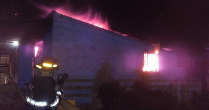 Bomberos extinguieron dos incendios en las últimas horas
