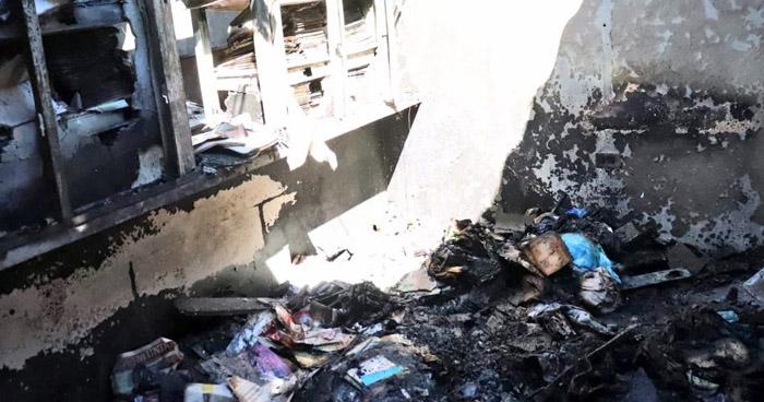 Tres evacuados tras incendio en vivienda de Avenida Bernal