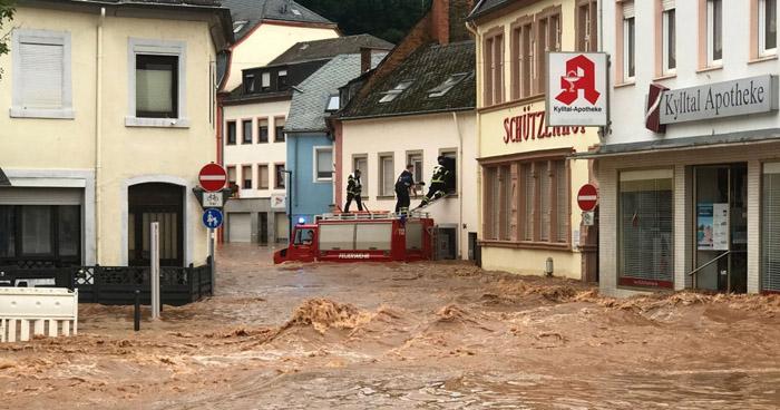 Al menos 46 muertos y varios desaparecidos dejan fuertes lluvias en Europa del Este