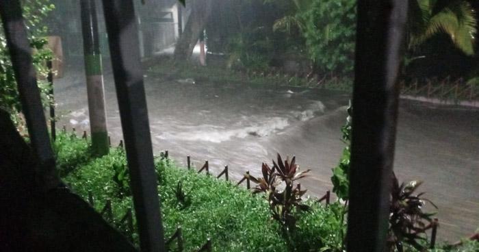 Inundaciones por lluvias en colonia Santa Lucía, Ilopango