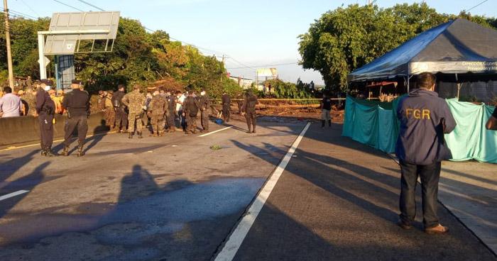 Fiscalía inicia investigación sobre deslave que soterró a familias en Nejapa