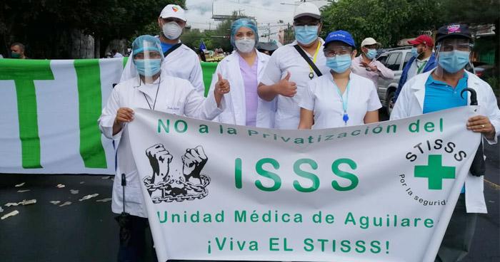 Sindicalistas protestaron ante supuestos intentos de privatización del ISSS