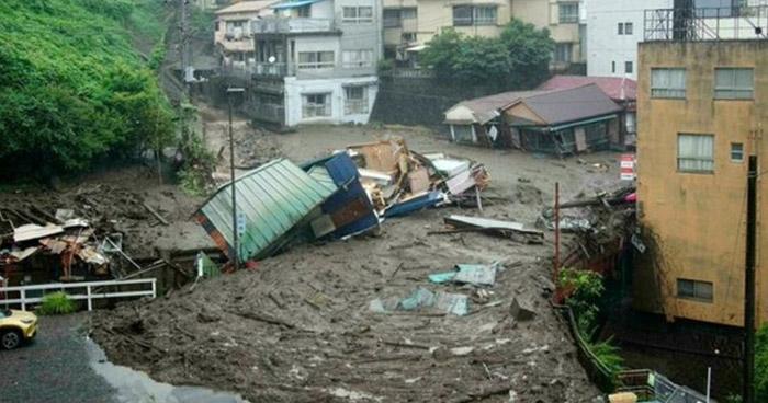 Sube a 4 el número de muertos tras deslizamiento de tierra en Japón