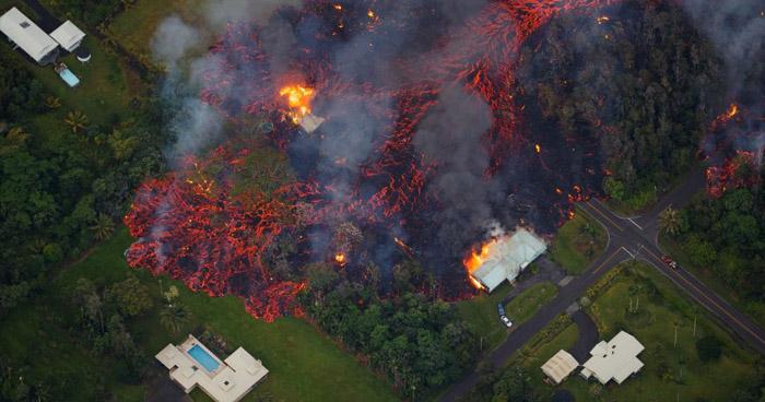 Así de afectado ha quedado un vecindario en Hawuaii tras la erupción del volcán Kilauea
