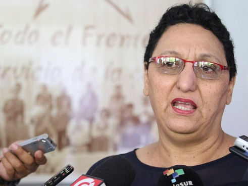 Diputado de ARENA asegura que Lorena Peña fue quién decidió alquilar el lujoso salón para discutir la reforma de pensiones