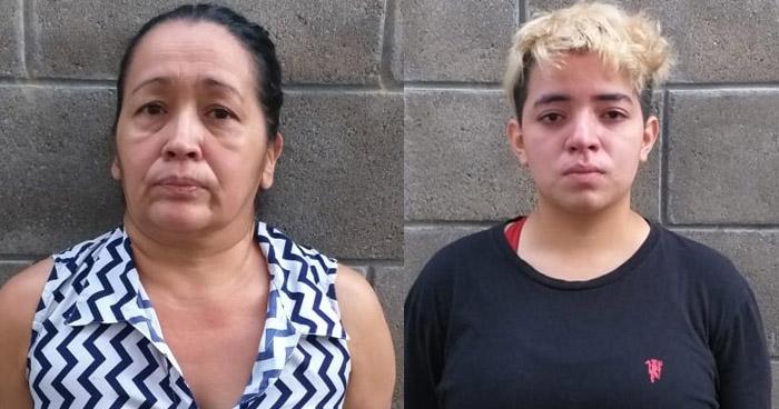 Madre e hija capturadas por extorsión en Mejicanos