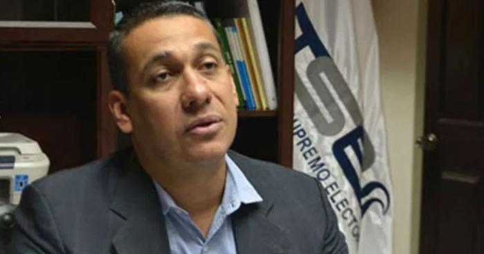 Sala declara inconstitucional la elección de Ulises Rivas como magistrado TSE