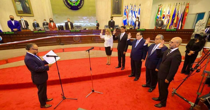 Asamblea elige a 5 magistrados y reeligen a López Jerez como presidente de CSJ
