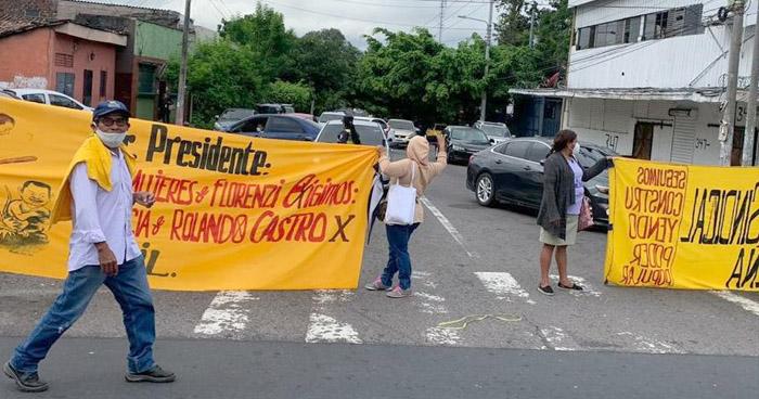 Exempleados de maquila vuelve a protestar por impago de indemnizaciones