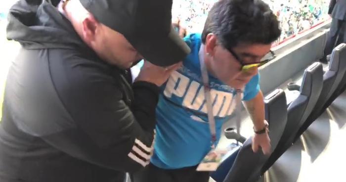 Vergonzoso show de Maradona, que acaba en el hospital