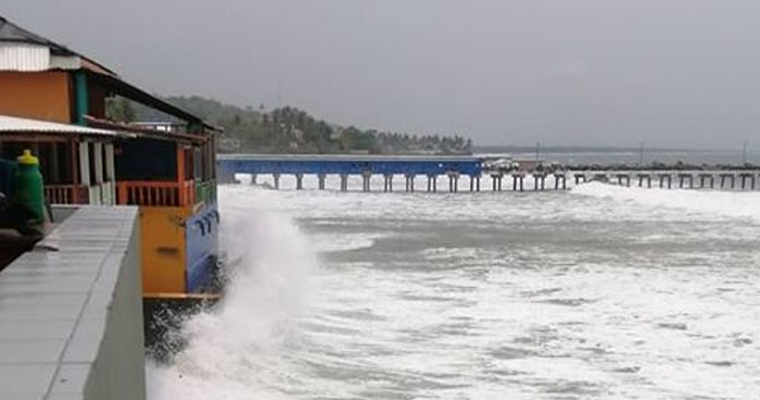Emiten alerta por mareas vivas y oleaje incrementado