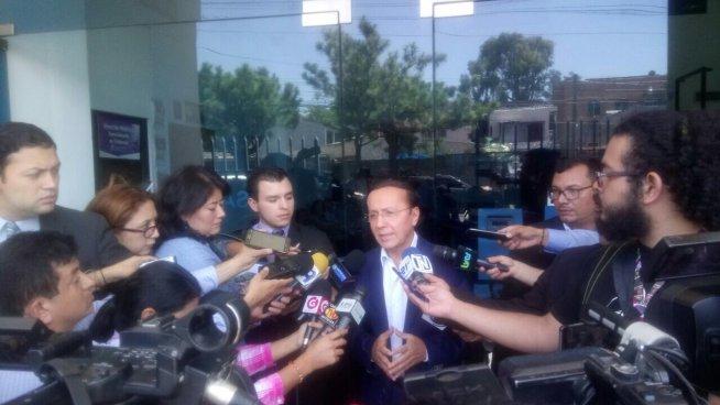 Gerson Martínez pide a FGR que se investigue falsificación de documentos con su firma