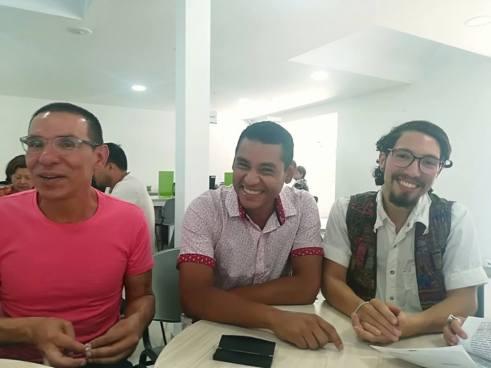 Primer matrimonio legal de tres hombres en Colombia