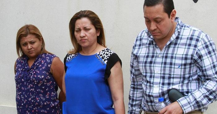 Condenan a doctores de Medicina Legal y a su sobrina por negociaciones ilícitas