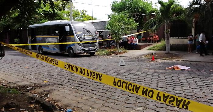Niña de 5 años muere al ser arrollada por motorista de Ruta 90-B en San Miguel