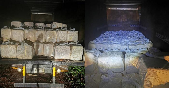 Contrabandistas abandonan camión con $91.000 en mercadería