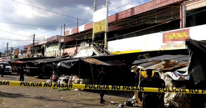 Asesinan a taxista 'pirata' en inmediaciones del Mercado Central de San Salvador