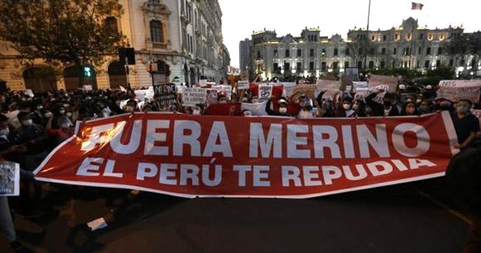 Peruanos marchan en rechazo al nuevo presidente, Manuel Merino