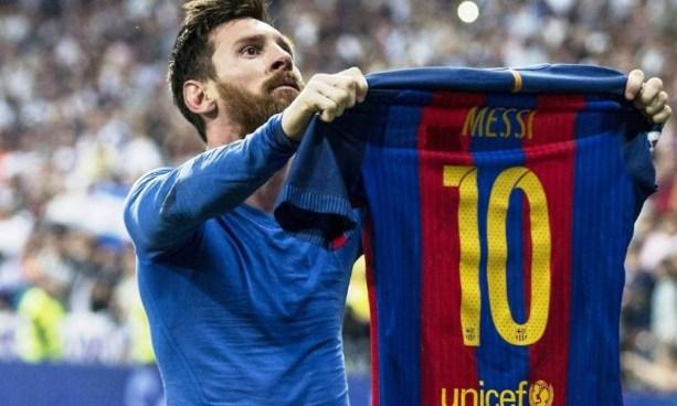 La espectacular colección de camisetas de Messi