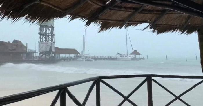 Huracán Delta toco tierra hoy en México