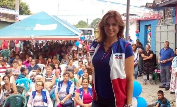 Milena Mayorga critica al FMLN por no renovar a sus diputados
