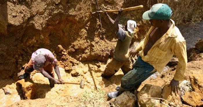 50 muertos tras derrumbe en mina de República Democrática del Congo