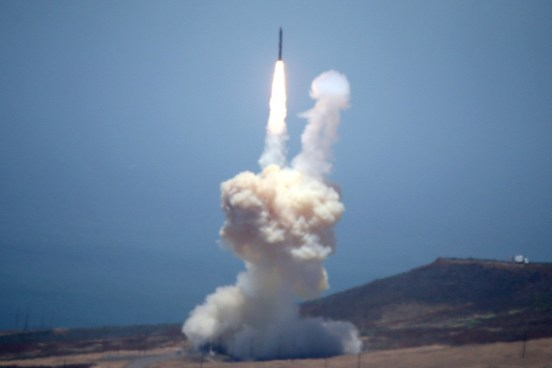Prueban nuevo interceptor de misiles balísticos intercontinentales en EE.UU.