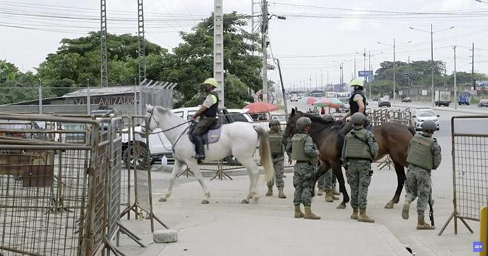 Sube a 79 el número de muertos tras amotinamientos en cárceles de Ecuador
