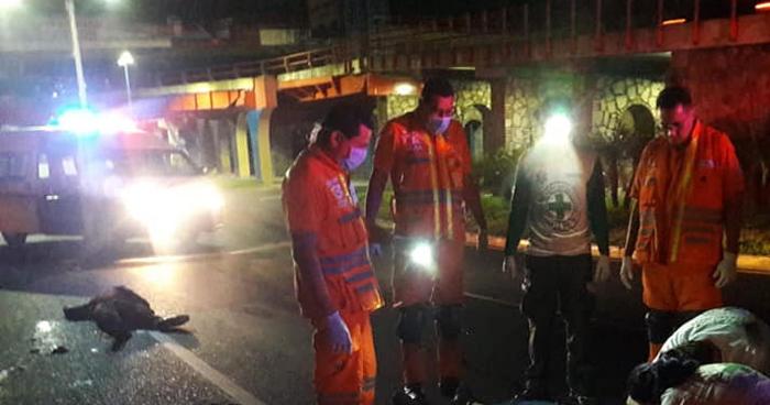 Motociclista fallecido y su acompañante lesionada tras accidente en Bulevar Los Próceres