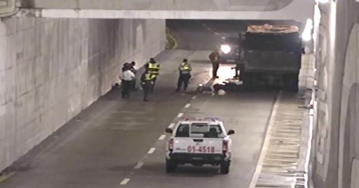 Motociclista ebrio muere al impactar con un camión en Avenida Masferrer Norte