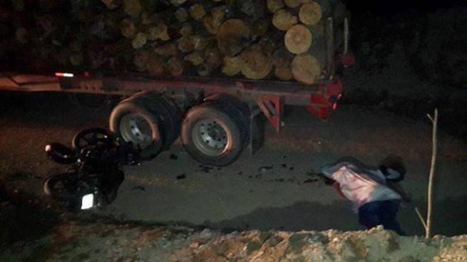 Muere motociclista tras chocar con una rastra en Morazán