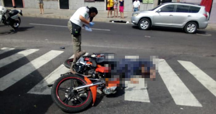 Motociclista fue acribillado a balazos en calle Lara de San Salvador