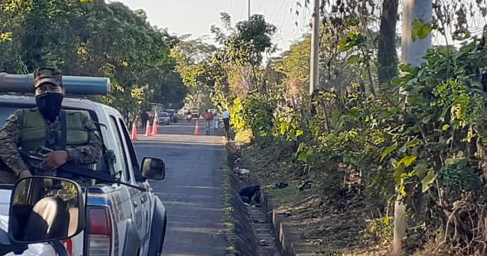 Hallan cadáver en carretera de Acajutla, en Sonsonate