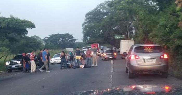 Motociclista fallecido tras impactar contra un autobús en San Miguel