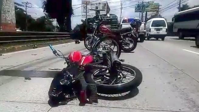 Motociclista muere tras chocar con bus R-202 en carretera Panamericana, Santa Tecla