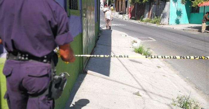 """Mujer asesinada al interior de una casa """"destroyer"""" en Ciudad Delgado"""