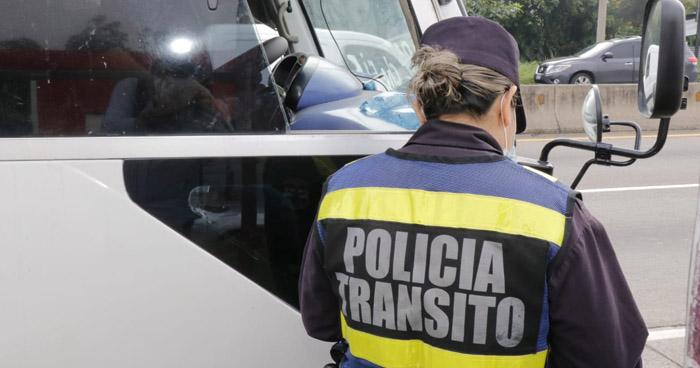140 conductores fueron multados por no portar licencia en primer día de Reapertura Económica