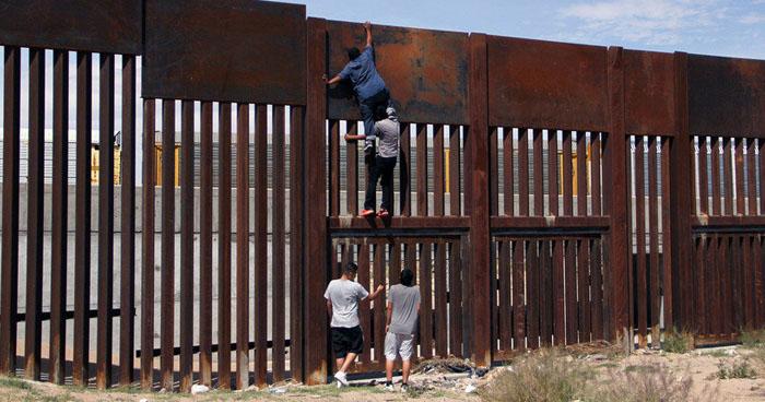 """Piden que dinero confiscado a """"El Chapo"""" sea destinado para la construcción del muro fronterizo"""