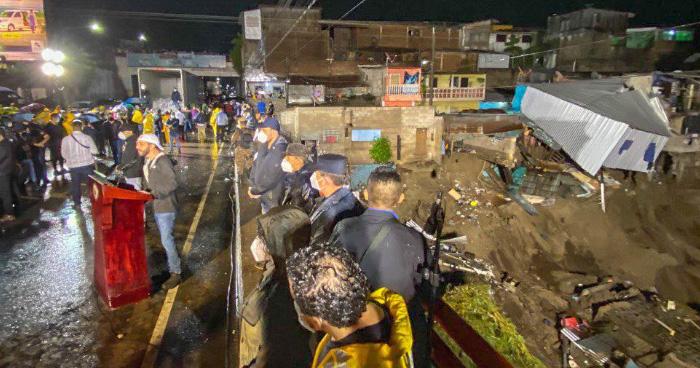 Gobierno reconstruirá viviendas dañadas por Tormenta Amanda