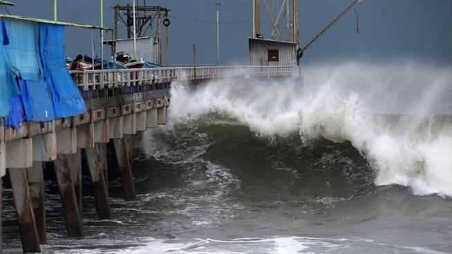 Se esperan olas de más de dos metros de altura en los próximos días