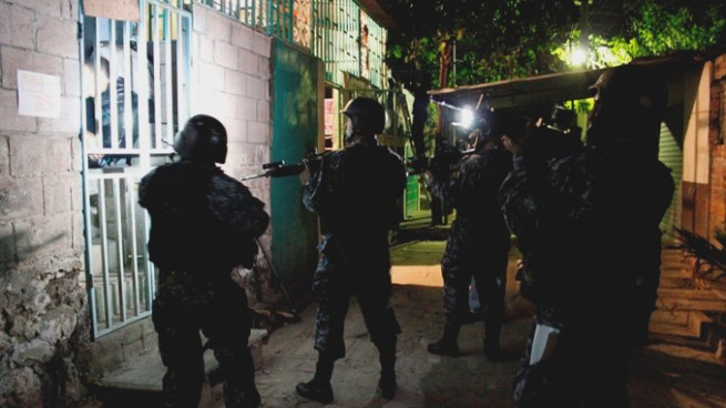Pandilleros intentaron asesinar a un agente de la PNC esta noche en Mejicanos