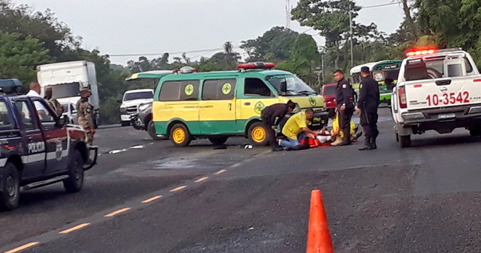 Motociclista pierde la vida tras ser embestido por un vehículo en San Pedro Perulapán