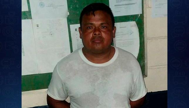 """Pandillero es capturado mientras custodiaba """"uniformado"""" en el aeropuerto Monseñor Romero"""