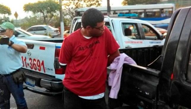 Capturan en comunidad Las Palmas a pandillero que iba amenazando, robando y extorsionando a un motorista de la R-79
