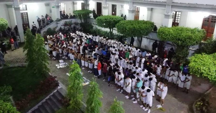 Autoridades presentaron a más de 300 detenidos durante el fin de semana