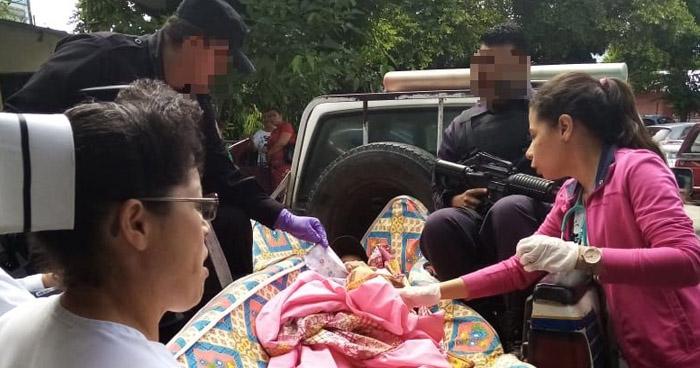 Policías atienden parto dentro de vivienda en Santa Ana