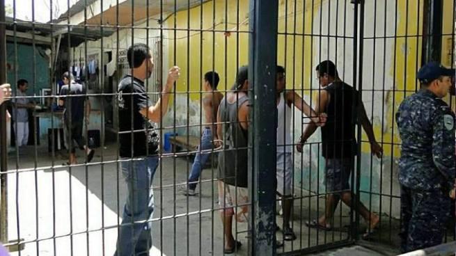 Al menos cuatro muertos y cuatro heridos durante motín en cárcel de Honduras