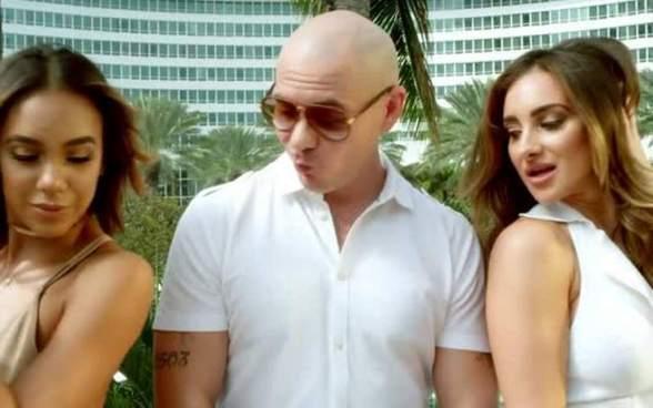 Sexy video de Pitbull sacude la política turística de Florida