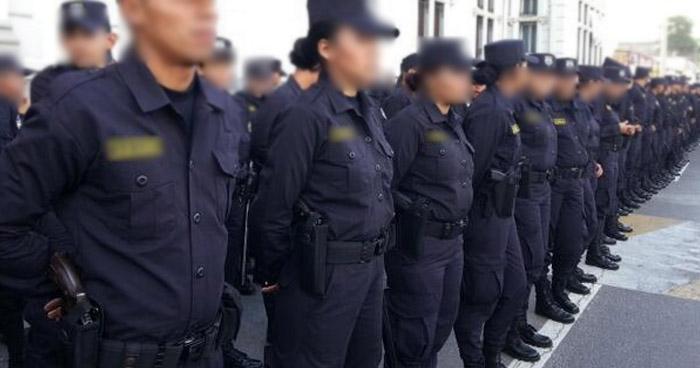 Hijos de policías fallecidos en cumplimiento del deber tendrán becas para estudios
